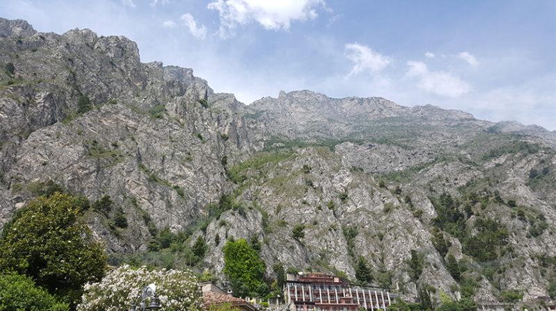 Lake Garda: western part is rocky