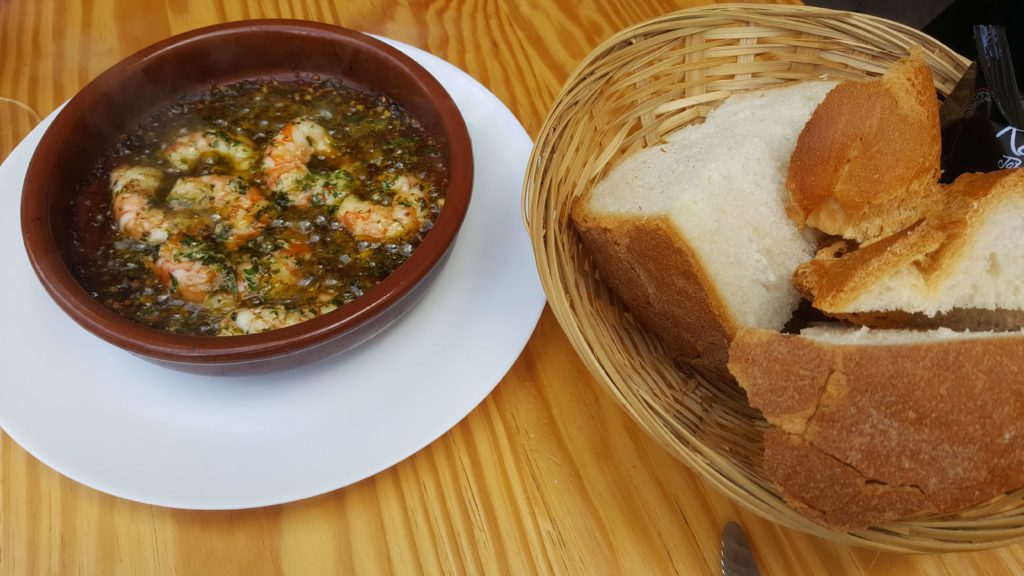 Gambas Pil Pil, La Linea restaurants, Revuelo