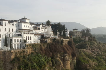 Ronda Spain pictures - white houses in Ronda City