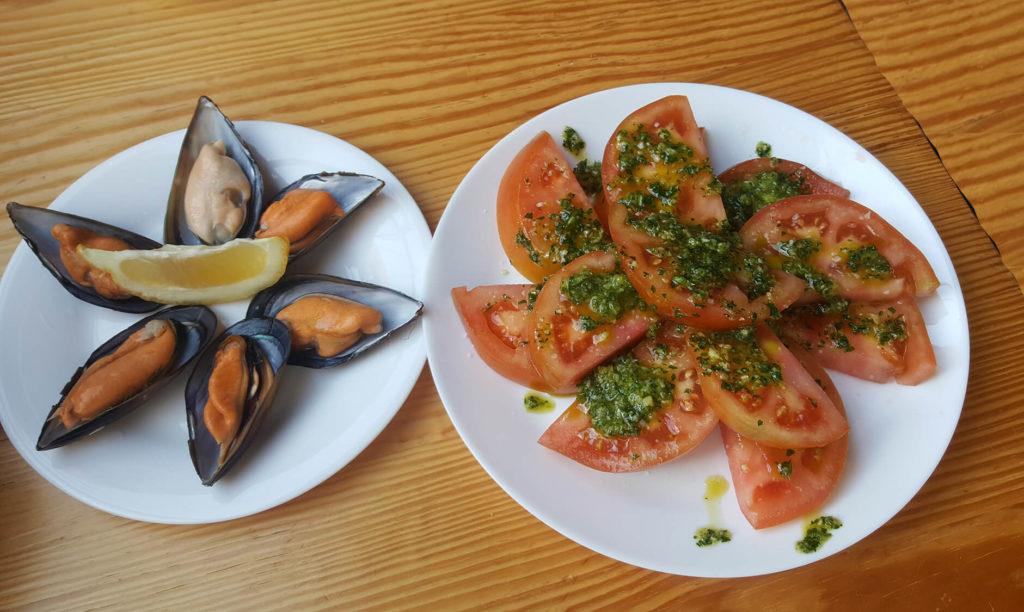 Spanish snack food - tomatos alinados