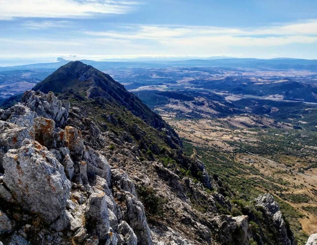 The highest peak of Sierra Crestellina, Casares